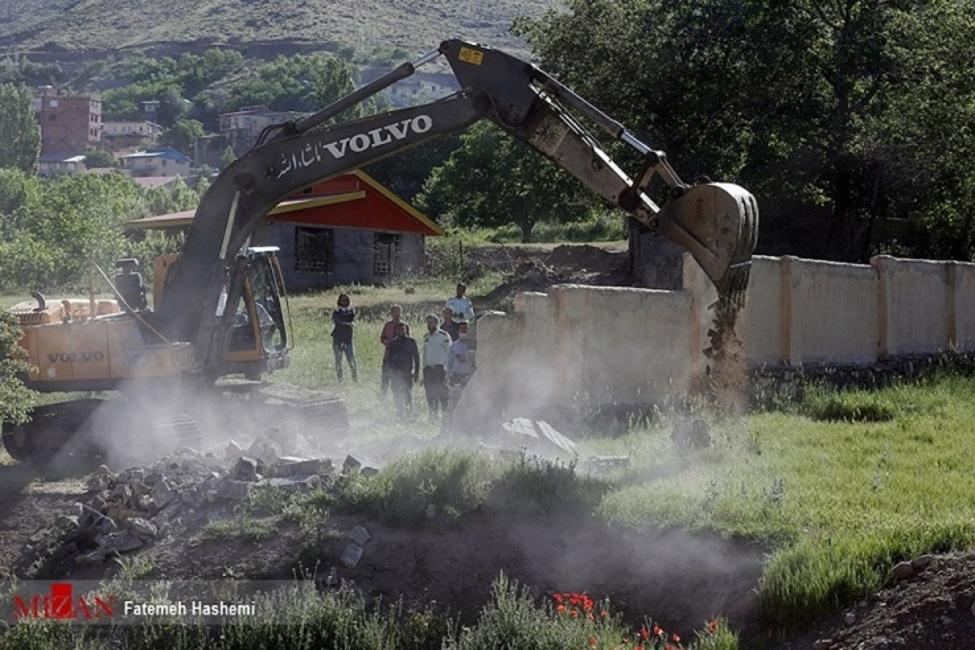 رفع تصرف ۹۲۰ هکتار از اراضی ملی در ایلام